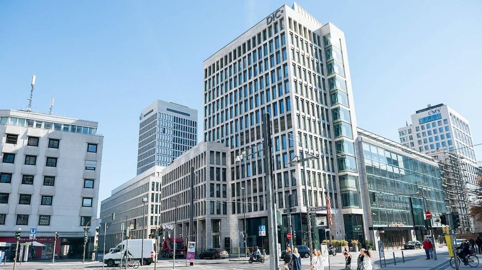 Aufstrebend: Das Immobilienunternehmen DIC Asset mit Sitz an der Neuen Mainzer Straße hat Aktienanleger überzeugt.