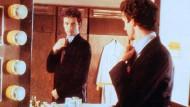 """Bin ich schön? Mathieu Carrière als Callboy im Film """"Die flambierte Frau"""""""