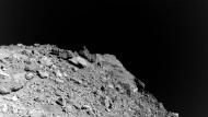 Faszination Asteroiden: Frankfurter Forscher haben auch Stücke des Asteroiden Ryugu erhalten.