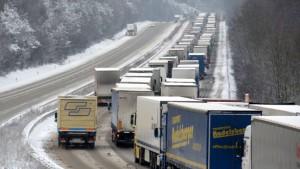 Posch will flexible Überholverbote für Lastwagen