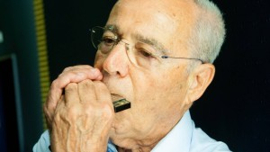 Die Mundharmonika  rettete ihm das Leben