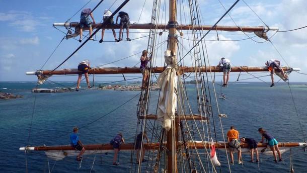 Klettergurt Für Mast : Klassenzimmers unter segelnu201c: unterricht in der schwimmenden schule