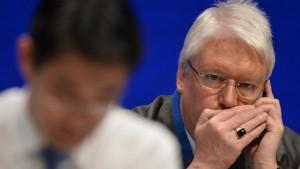 Hahn stellt Akzeptanz Röslers als Vizekanzler infrage