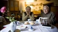 Selbstverwirklichung – was ist das denn?  Helene Mülot und ihr pflegebedürftiger Mann Heinz in ihrem Bauernhaus.