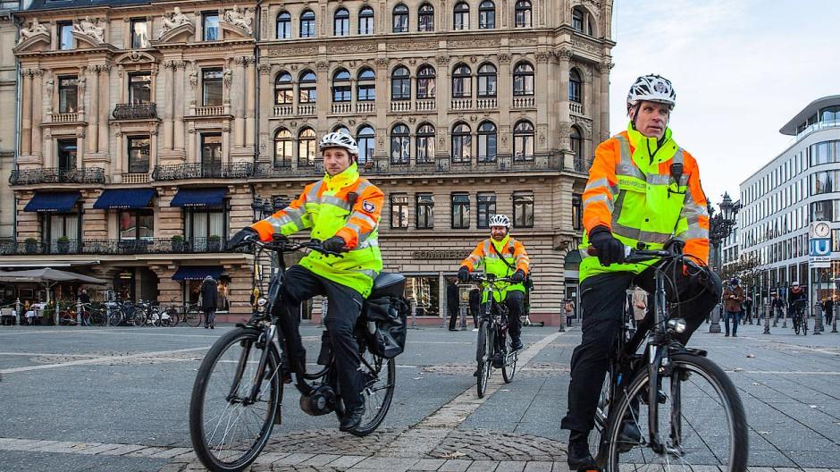 Ein halbes Jahr im Einsatz: die Frankfurter Fahrradstaffel der Polizei