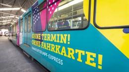 """Frankfurter """"Impf-Express"""" soll zur Spritze motivieren"""