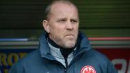Grimmig: Trainer Thomas Schaaf beim Spiel in Freiburg