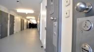Fünf Verletzte nach Feuer in Gefängniszelle