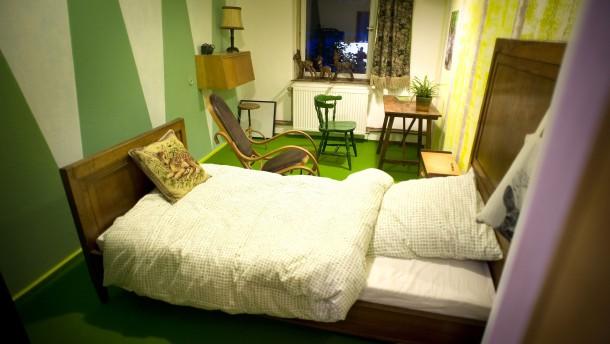 Galerien und Hotelzimmer im ehemaligen Bordell