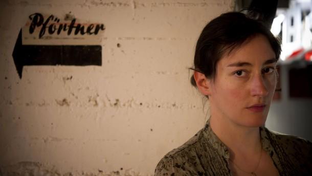 Constanze Becker - die Schauspielerin und Ensemblemitglied am Schauspiel Frankfurt wird portraitiert von Michael Hierholzer