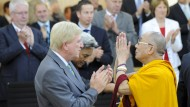 Bouffier und Al-Wazir treffen sich mit Dalai Lama