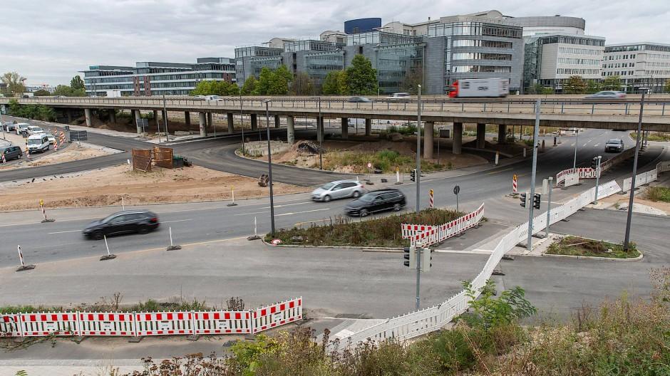 Großbaustelle: Der Kaiserleikreisel zwischen Offenbach und Frankfurt wird umgebaut, eine Multifunktionsarena wird es dort nicht geben