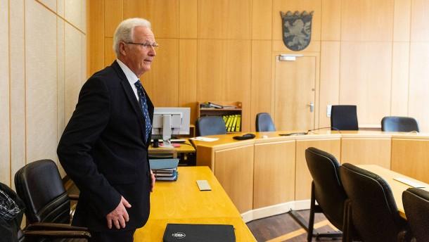 Teilerfolg vor Gericht für früheren Rathauschef von Eschborn