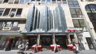 Platzhirsch: Die Buchhandelskette Hugendubel hat ihren Mietvertrag am Steinweg in Frankfurt verlängert.