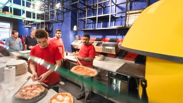 pizzeria montana frankfurt die pizza k nstler. Black Bedroom Furniture Sets. Home Design Ideas