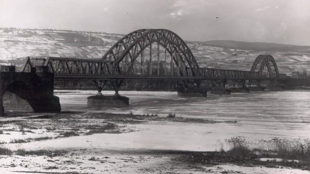 Deutsche Pioniere gaben der Brücke den Rest