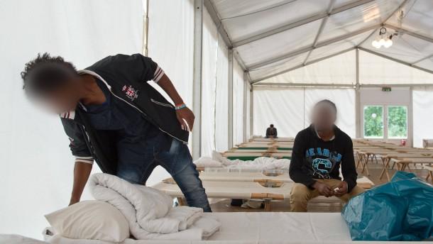 Landkreise fordern vom Land mehr Geld für Flüchtlinge