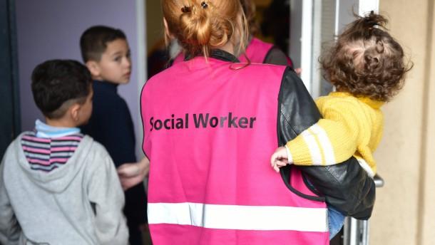 Zwischen Flüchtlingshilfe und NPD-Erfolg