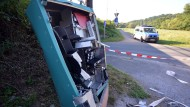 Mann gibt Sprengung von Ticketautomaten zu