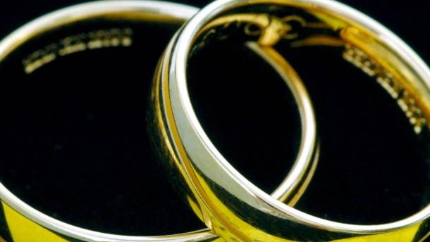 Ehescheidung - meist von der Frau eingereicht