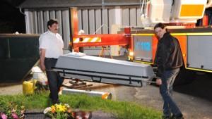 Mord auf Friedhof: Verdächtiger schweigt beharrlich