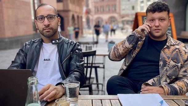 Wie zwei Frankfurter nach Fluchtwegen für Ortskräfte suchen