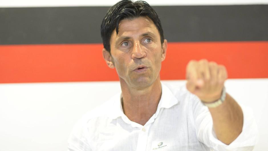 Gelassen, aber hartnäckig in den Verhandlungen: Bruno Hübner geht ambitioniert in seine fünfte Frankfurter Saison.