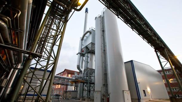 Allessa - Die Stadt Frankfurt klagt gegen den Betrieb des Baunkohlstaubkraftwerk der Allessa-Chemie