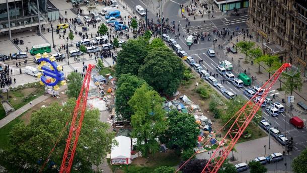 Occupy-Räumung mit richterlichem Segen