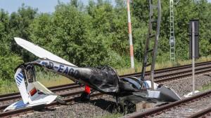S-Bahnstrecke nach Flugzeugabsturz wieder frei