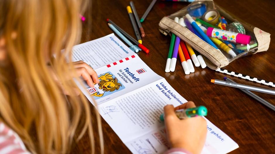 Nachweis: Im Testheft können Kinder notieren, wann sie getestet wurden.