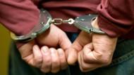 Dingfest: Dank einer länderübergreifenden Fahndung unter Einbeziehung von Interpol wurde ein Mehrfachtäter aus Hanau in Marokko festgenommen (Symbolbild)