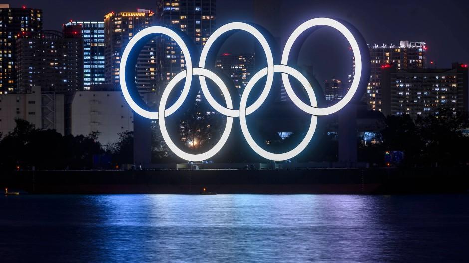 Strahlen über Tokio: die olympischen Ringe