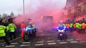 Attacke auf Bus von Manchester City hat Folgen