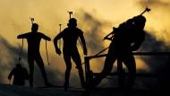 Ein ganz düsteres Kapitel: Der Winter ist vorbei, doch die Sportart Biathlon macht weiter Schlagzeilen.