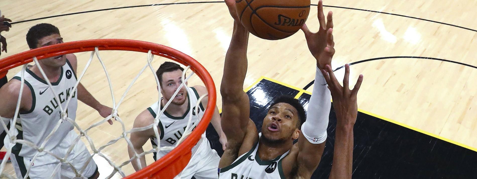 Milwaukee Bucks drehen NBA-Finalserie