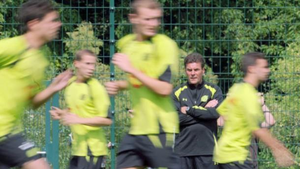 Das Vertrauen in Trainer Dieter Hecking schwindet