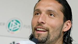 Flüchtling Kuranyi spaltet Fußball-Deutschland