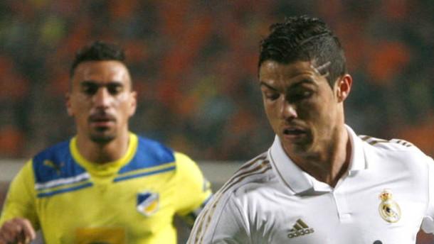 Am Ende hat doch Real Madrid mit Cristiano Ronaldo (rechts) gegen Apoel Nikosia die Nase vorne