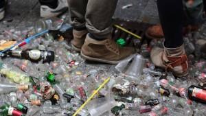 Abfall in Zahlen: Die Erde, ein Müllberg