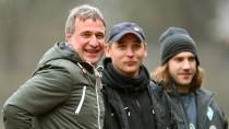 Das Werder-Trio: Bode, Trainer Skripnik und Assistent Frings (v.l.)