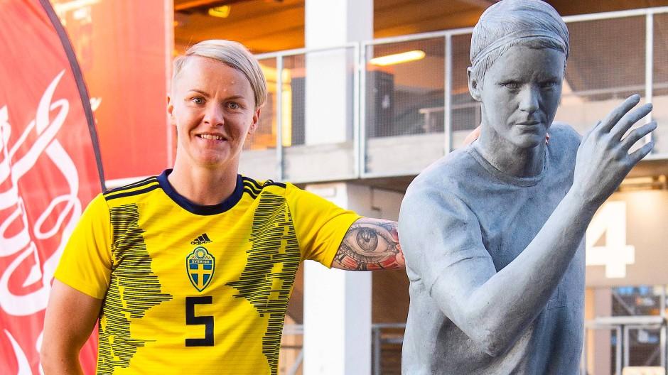 """""""Ein Vorbild sein"""": Nilla Fischer, von der es in der Heimat in Schweden schon Statuen gibt, weiß, was sie will."""