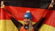 Die deutsche Flagge weht in Lettland: Natalie Geisenberger holt mit der Staffel Gold