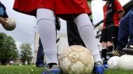 Wer zahlt die Übungsleiter, wenn die Sportvereine nicht mehr aktiv sein dürfen?