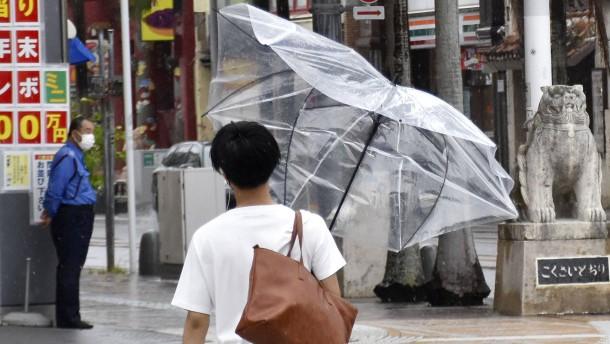 Warnungen vor Taifun in Japan