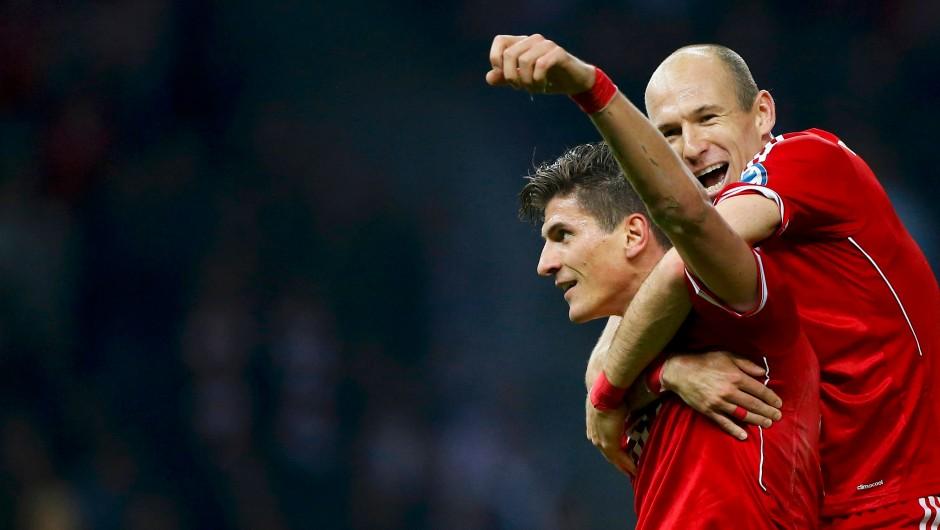 Gomez nach Florenz, Mchitarjan nach Dortmund