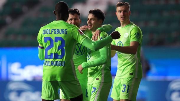 Wolfsburg über Bande auf Platz vier