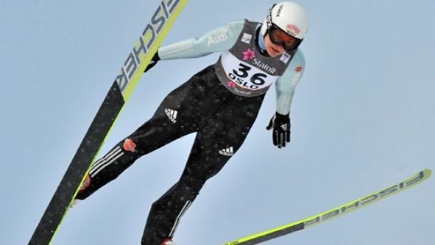 Skispringerinnen im Schatten der Männer