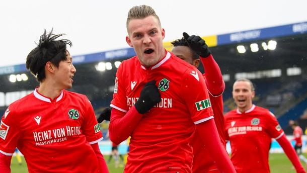 Hannover gewinnt Niedersachsen-Derby in Braunschweig