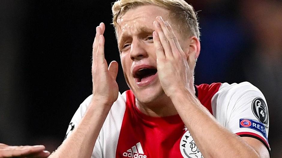 Was ist hier nur los? Donny van de Beek von Ajax Amsterdam